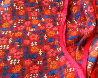 60s fantastic mod mid century vintage valance with a floral scandinavian pattern. In good condition. Made in Sweden.
