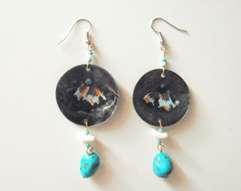 Chandelier earrings made of recycled parts