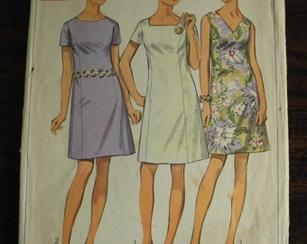 Vintage Sewing Pattern -- Dress --Simplicity 8160 -- Size 18 1/2 -- Bust 41 -- 60s