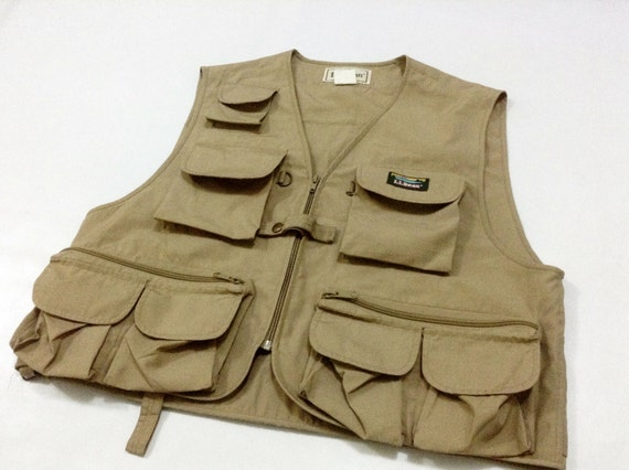 Ll bean khaki fishing vest lots of compartments size l for Ll bean fishing
