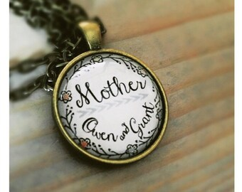 Personalized Mother Pendant Necklace