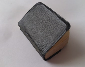 Vintage tiny book Richard the 2nd by William Shakespeare