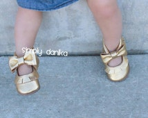 Gorgeous Gold Mary Jane moccasins Baby Moccs Crib shoes Genuine leather Baby shoes Baby girl Photo shoot Photo prop