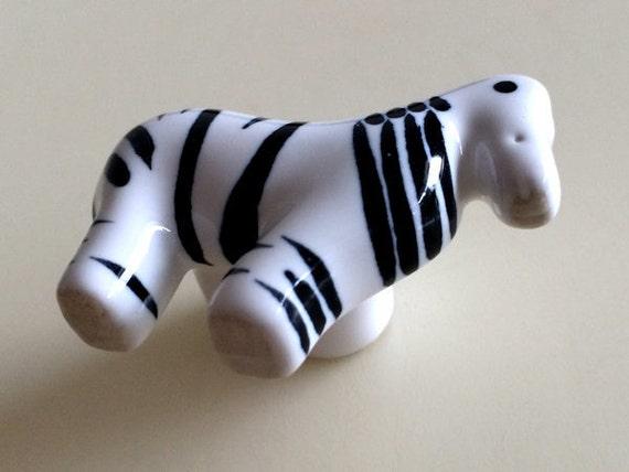 Kids dresser knob drawer knobs pulls handles ceramic zebra for Children s bureau knobs