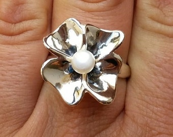 Pearl Silver Ring ,Bridal Pearl Ring, Sterling Silver 925 Ring, Flower Silver Ring, Handmade Pearl Ring, White Pearl Ring, Wedding Jewelry