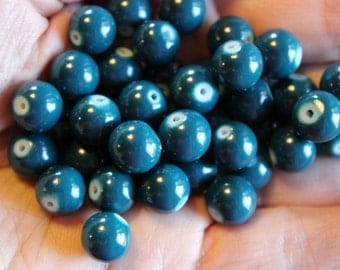 40 teal bubblegum glass beads, baking painted, 10 mm, hole 1 mm, 80's style