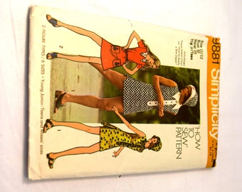 """Vintage 1970s Simplicity 9881 Young Junior/teens and misses mini-dress, short short, and hat. """"How to Sew"""" Pattern"""