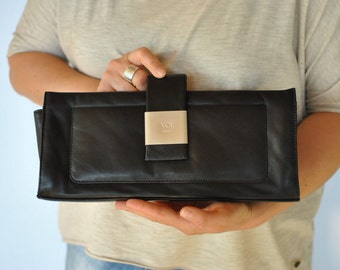 Vintage VOI DESIGN leather clutch , small leather bag....(140)