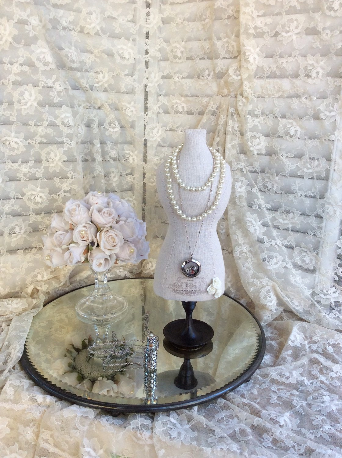 Galerry party dress jewellery holder