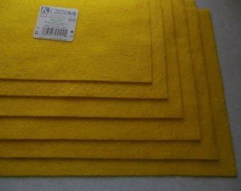 KUNIN Rainbow Classic Felt Six  9x12  Sheets Yellow