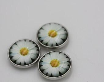 1 White Daisy Flower Noosa Style Snap