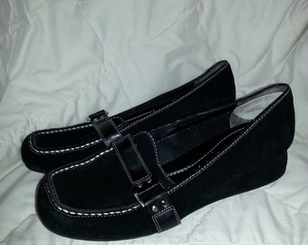 Vintage Black Suede Loafer - Flats - Shoes - by Bandolino - Size 8 1/2 M
