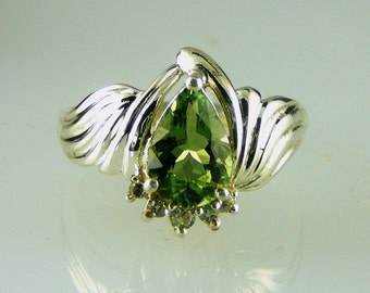 Natural Green Tourmaline Pear Shape and white Topaz ring 925 Sterling Silver