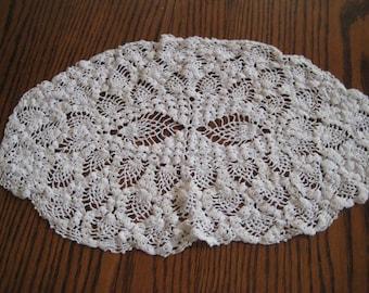 Oblong white crochet doily, vintage oval doily, shabby cottage chic decor, 956