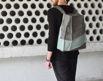 City gray leather backpack with two pockets, for men