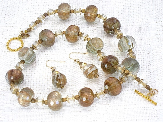 Necklace set of gold rutilated quartz matching earrings for Golden rutilated quartz jewelry