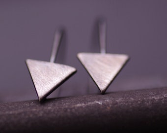 fine silver triangle earring,silver oxided,black,long earring