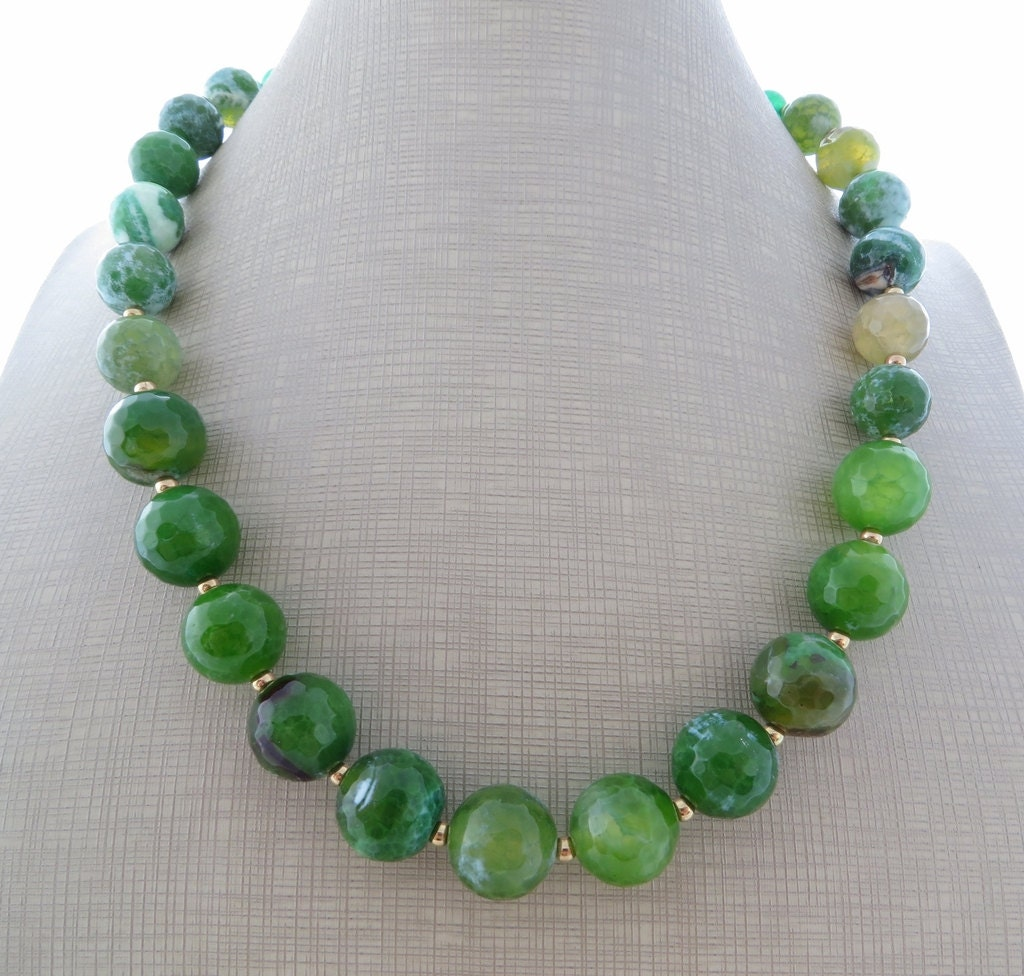 Green agate necklace jade necklace stone choker beaded for Pictures of jade jewelry