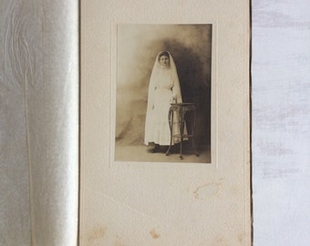 Old Black & White Photo of a Bride
