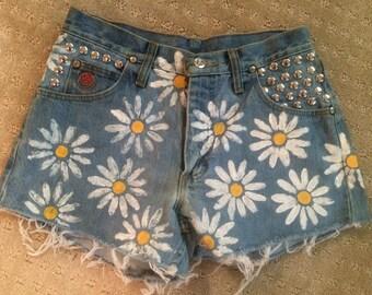 "Daisy shorts size 29"" waist"