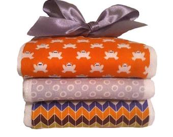 Hop Along Froggy Organic Cotton Burp Cloth Set - Baby Shower Gift