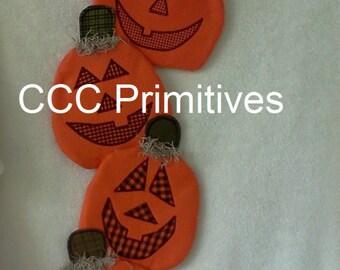 Halloween Pumpkin Door Greeter - Primitive Pumpkin Door Hanger - Jack O' Lantern Door Greeter  - Handmade Pumpkin Door Greeter