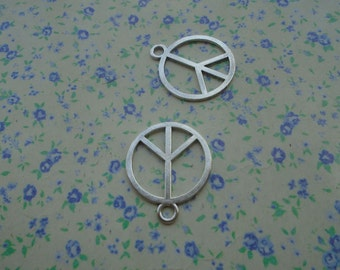 20 pcs of antique silver color peace symbol pendant charm , 24*20mm , MP3