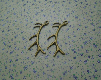 10 pcs of antique bronze color metal deer buck antlers pendant charm , 66*32mm , MP629