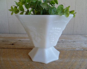Anchor Hocking Vintage Milk Glass Candy Dish Bowl