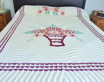Chenille Plush Bedspread, Wine Chenille Bedspread, 1950s Chenille Bedspread, Flower Basket Bedspread 91 x 102, Vintage Bedspread