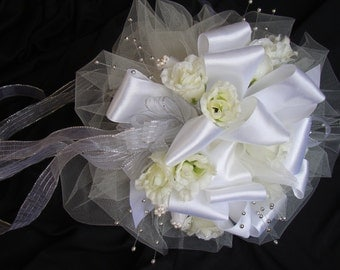 Wedding flowers Toss Bouquet,  Bridal Bouquet,  Bouquet Toss, W- 86