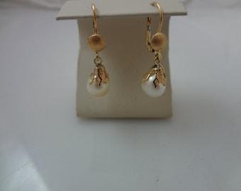 Gorgeous Baroque Pearl Dangle Pierced Earrings in 14k Yellow Gold