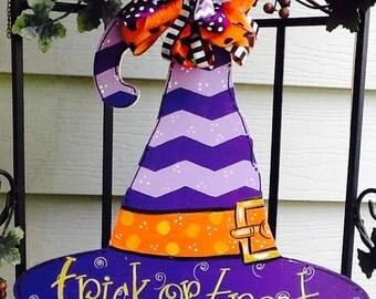 witches hat door sign, witches hat door hanger, halloween door sign, halloween door hanger, trick or treat door sign, trick or treat sign