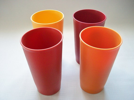 Where To Get Red Plastic Drinking Glasses
