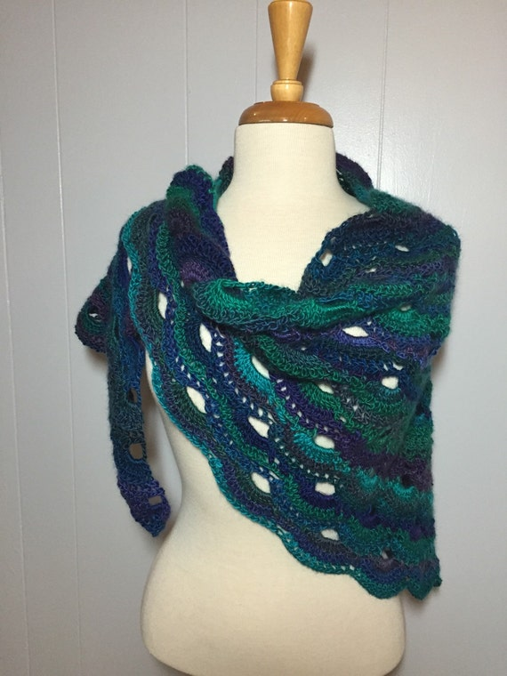 Crochet Pattern For The Virus Shawl : Gorgeous Crochet Virus Shawl Handmade Green Blue Shawl