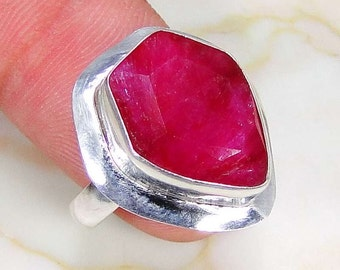 Ring sterling silver. 925 ruby