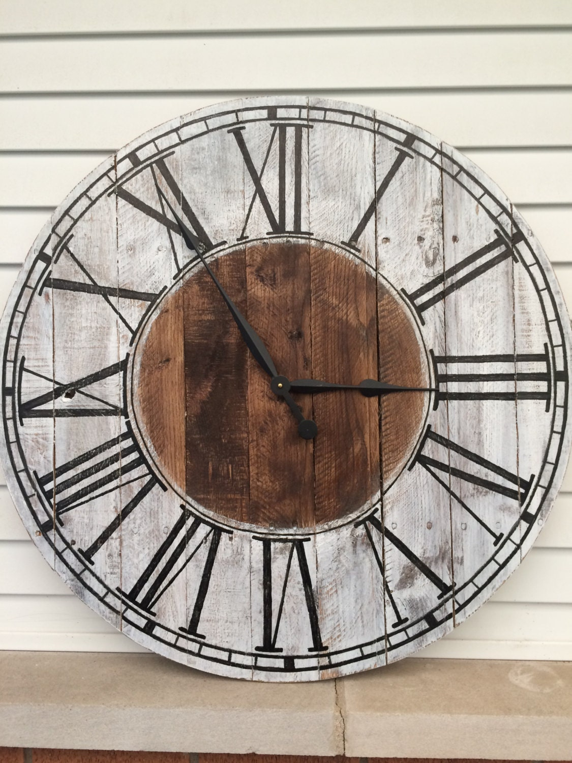 Farmhouse style wooden pallet clock 20 30 or by - Relojes grandes de pared modernos ...