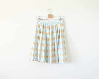 SALE ~ 70s pleated skirt / light skirt / argyle pattern skirt