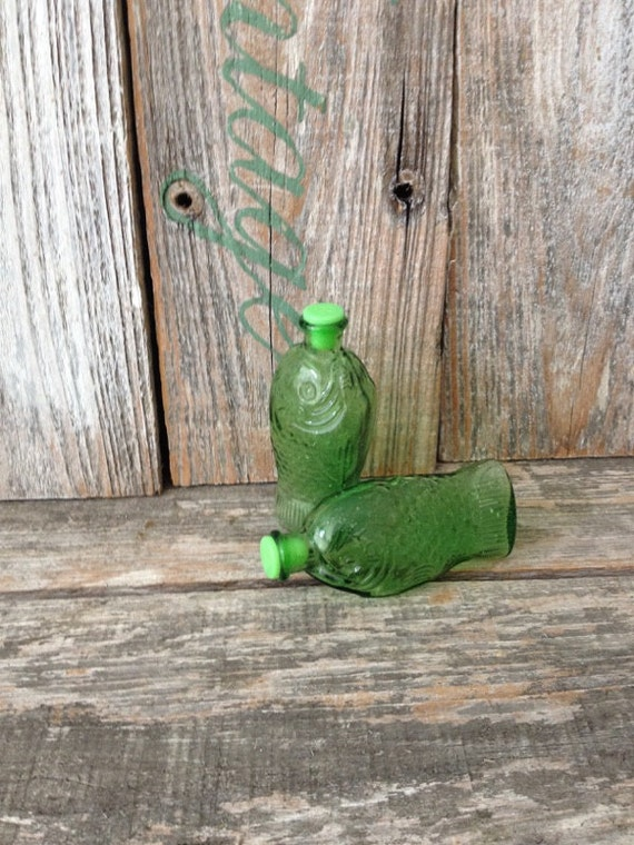 Vintage Green Glass Fish Salt And Pepper Shakers Vintage Fish