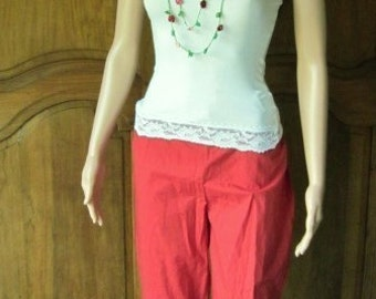 Woman in red cotton, Tik, Capris size 14