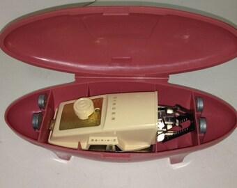 Singer Buttonholer Vintage 1950-1960 Pink Clam Shell