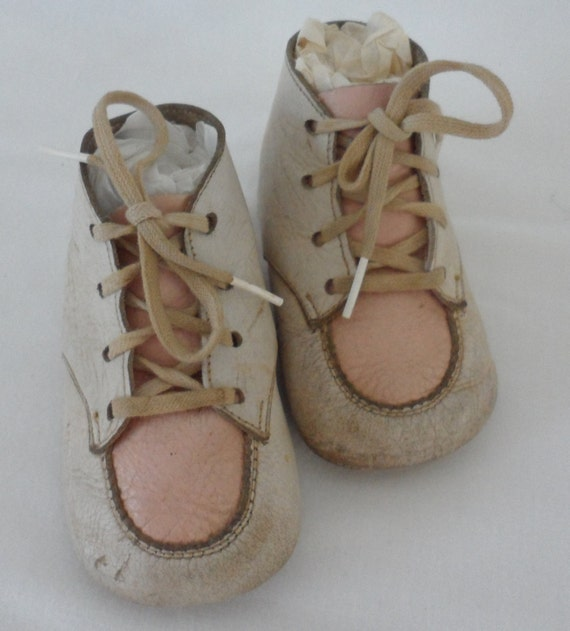 vintage leather baby shoes 1950s size all by bygonera