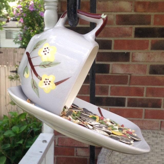 Upcycled bird feeder tea cup bird feeder garden decor for Upcycled bird feeder