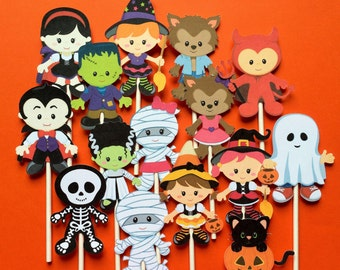Halloween cupcake toppers - 15 Halloween cupcake toppers - kids in costume cupcake toppers, Halloween toppers, Halloween party cake toppers