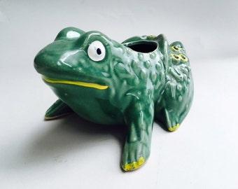 Adorable Vintage McCoy Frog Planter