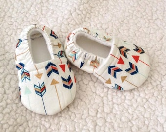 Baby Booties Multi arrow design ( Arrow prints varies), Crib shoes, Baby Gift
