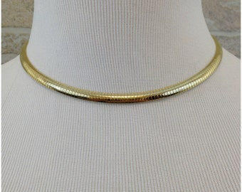 Goldtone circular necklace