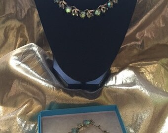Vintage Karu Necklace and Bracelet Set