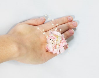 Pink ring, Flower ring, Floral ring, Pearl ring, Oversized ring, Statement ring, Pink jewelry, Bridal ring, Bridesmaid ring, UK sellers only