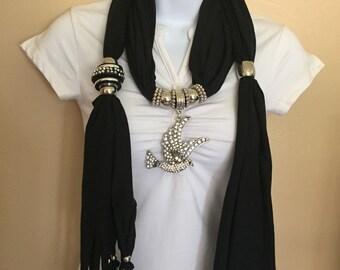 Black trendy jewelry scarf with bird rhinestones